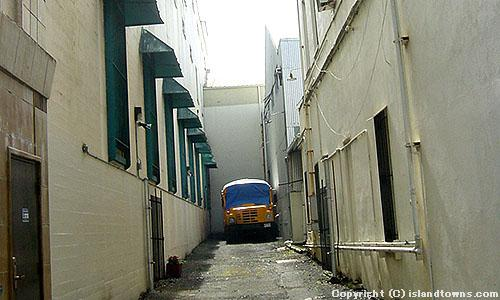 HILO ALLEY